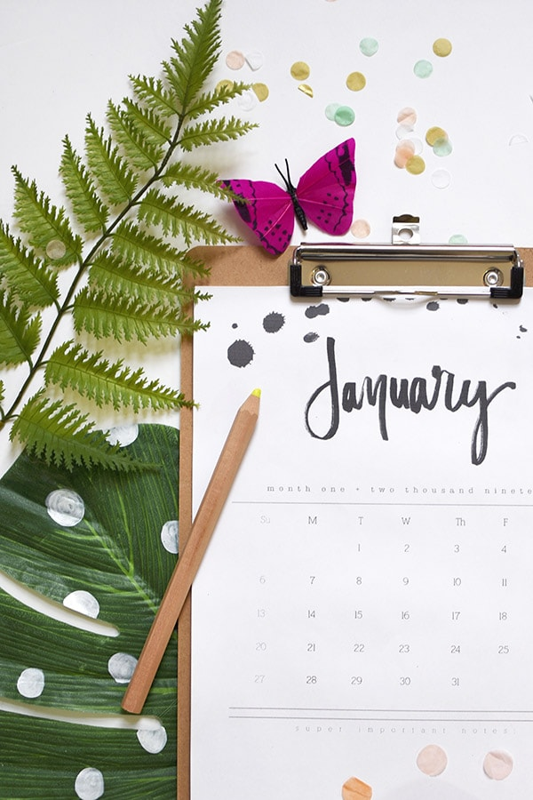 Get organized this next year with a gorgeous modern Calligraphy Hand Lettered 2019 Printable Calendar!  With a simple free download and you will be set to get yourself on task and scheduled out for the year. Delineate Your Dwelling #2019downloadcalendar #2019calendar