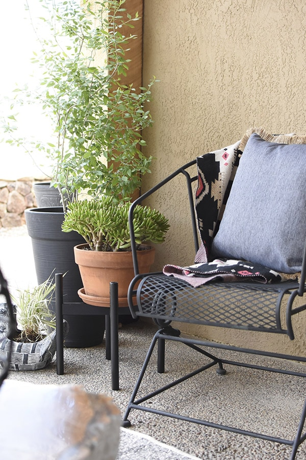 Small Patio refresh ideas, Easy Back Patio refresh, Check out 5 simple tips for updating your outdoor space.  Learn how to get your concrete patio summer ready in no time at all! Delineate Your Dwelling #patioideas #patiodecoratingideas
