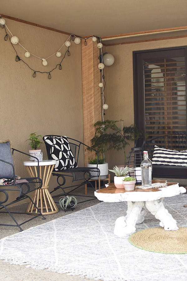 Easy Back Patio refresh, Check out 5 simple tips for updating your outdoor space.  Learn how to get your concrete patio summer ready in no time at all! Delineate Your Dwelling #patioideas #patiodecoratingideas