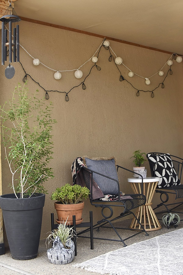 Simple Outdoor Patio refresh, Easy Back Patio refresh, Check out 5 simple tips for updating your outdoor space.  Learn how to get your concrete patio summer ready in no time at all! Delineate Your Dwelling #patioideas #patiodecoratingideas