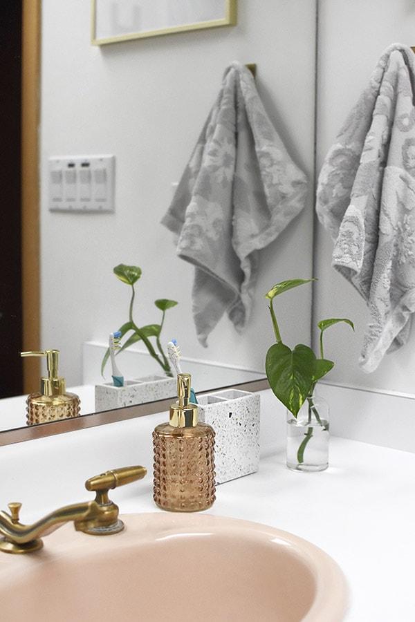 Bathroom Vanity items