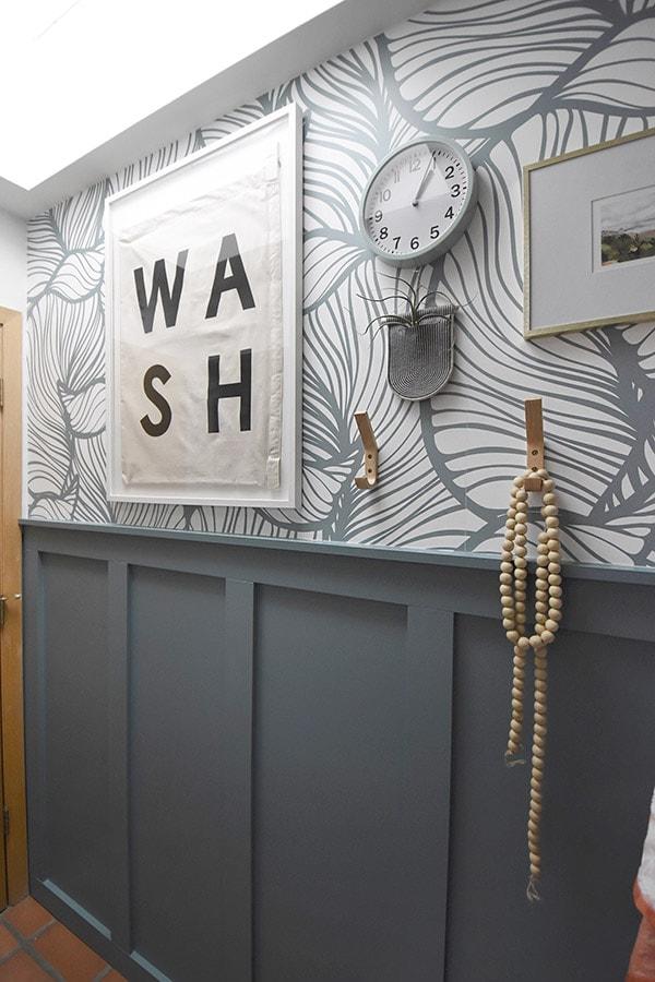 Modern Organic Leaf Wallpaper Bathroom