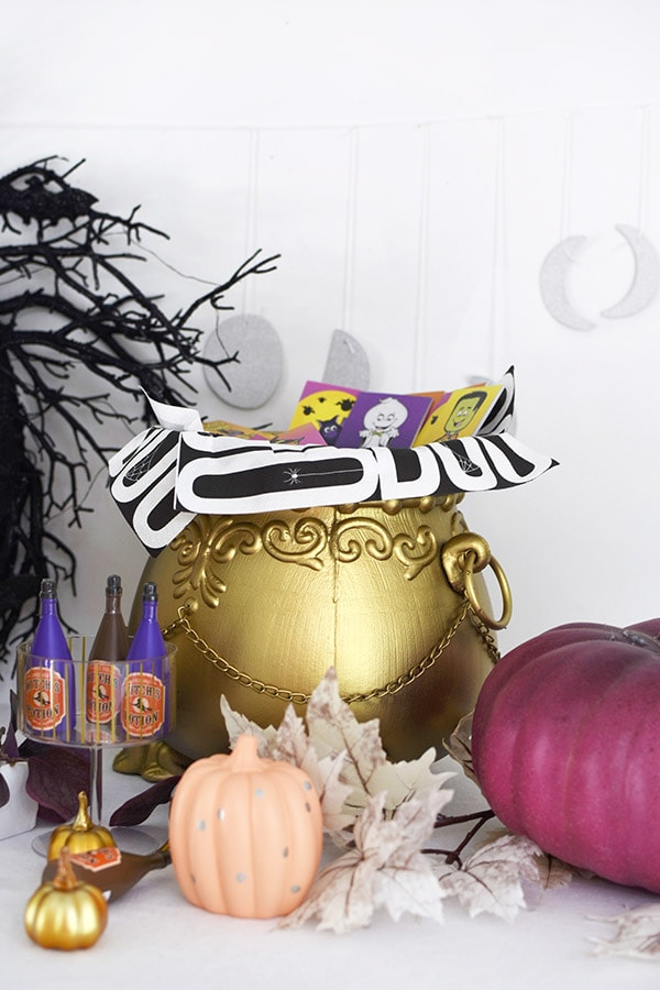 Gold Witch's Caldron with BOO napkins