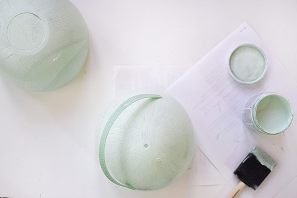 Learn how to make gorgeous Greenery Easter Egg Decor : Painting Egg