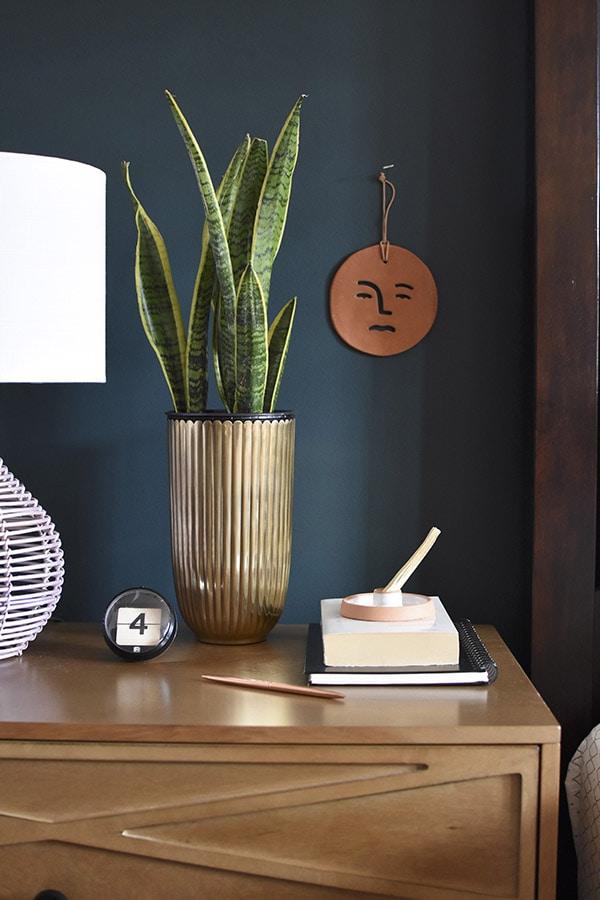 Bedroom Nightstand Metal Vase