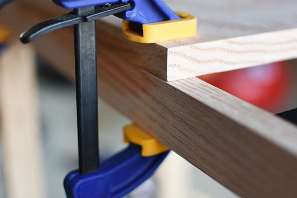 Gluing Table Top with clamp