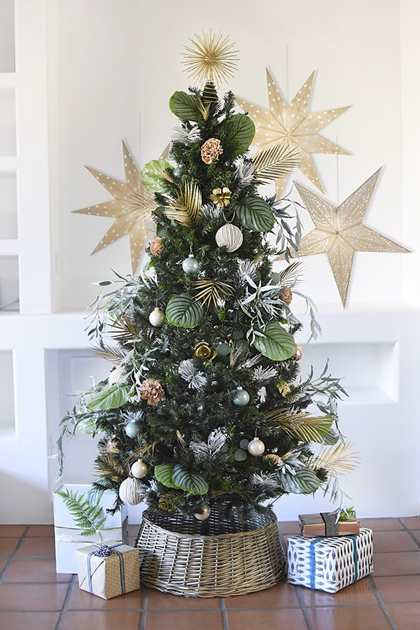 Nature Christmas Tree with Paper Stars