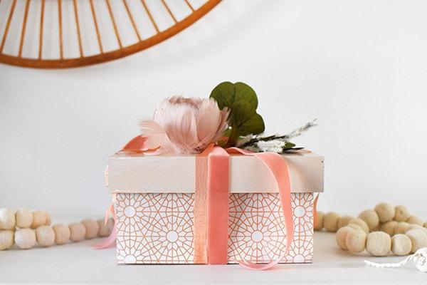 Ribbon Pattern Painted Box