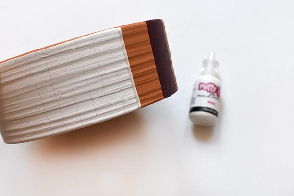 White pot painting